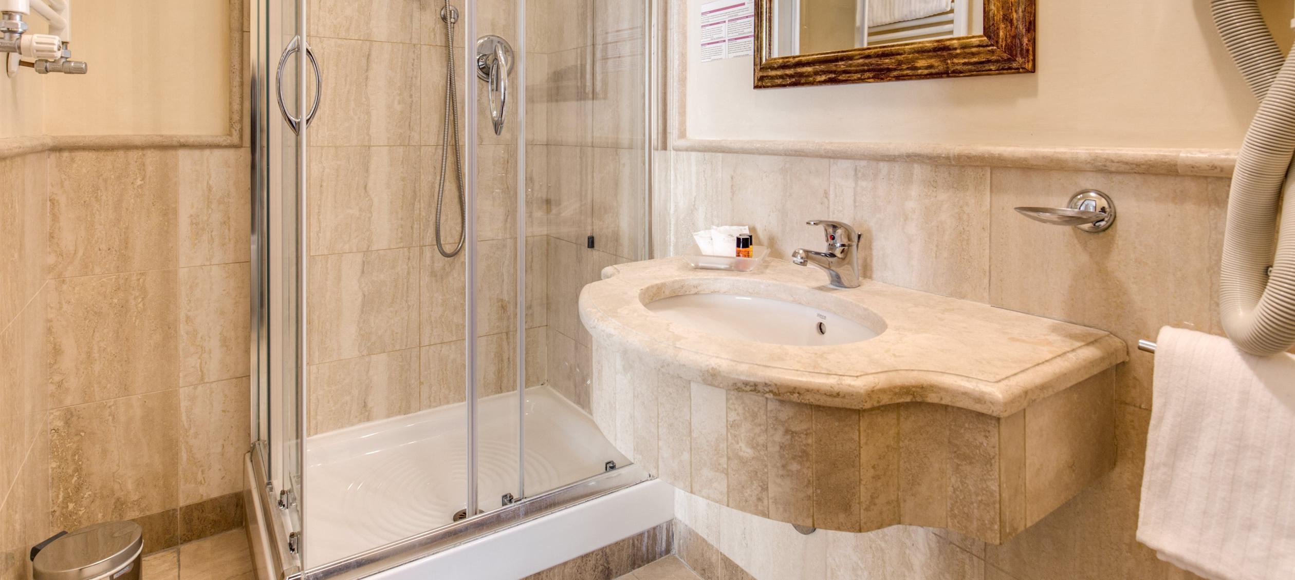 Hotel Giotto Roma - Sito Ufficiale - Albergo 3 Stelle Roma